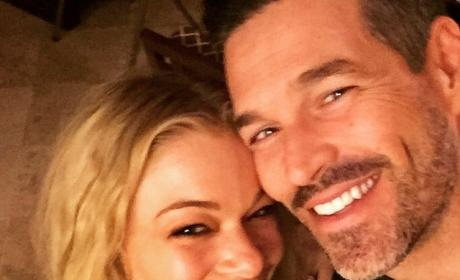 LeAnn Rimes Hints at Pregnancy With New Photo: How?