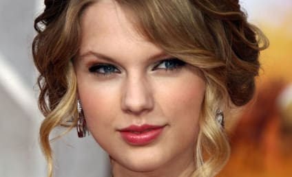 Celebrity of the Year Finalist #7: Taylor Swift!