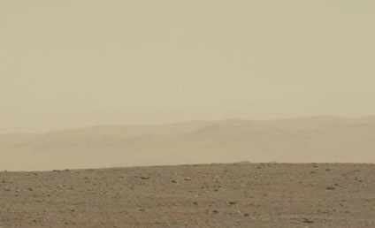 UFOs Caught By Mars Curiosity: Real or Fake?