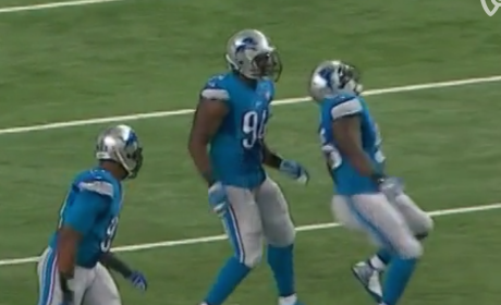 Stephen Tulloch Celebrates, Injures ACL