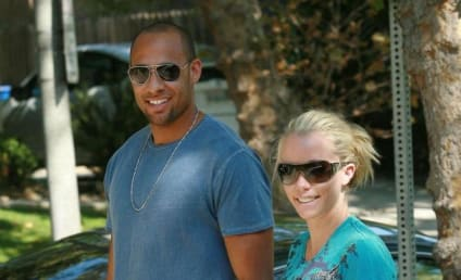 Kendra Wilkinson Offers Support, Love for Holly Madison