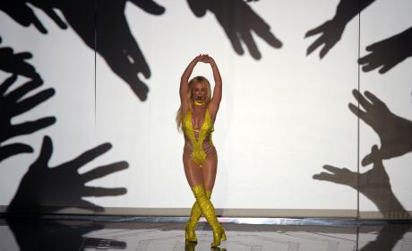 Britney Spears VMA Performance Photo