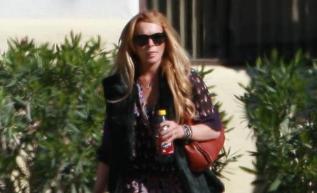 Lindsay Lohan to Paparazzi: Back Off!