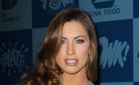 Katherine Webb Sympathizes with Kendra Wilkinson, Remains Hot