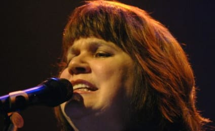 Linda Ronstadt Diagnosed With Parkinson's Disease, Unable to Sing
