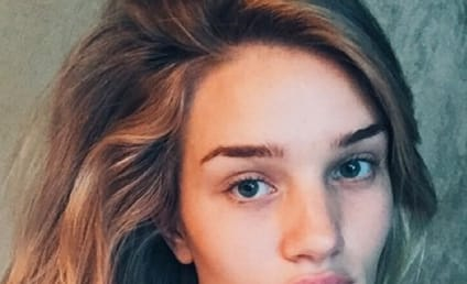 Rosie Huntington-Whiteley Without Makeup: Photo Serves as #WakeUpCall on Instagram