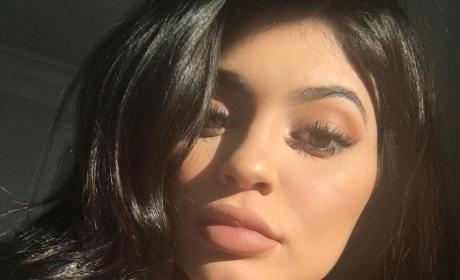 Kylie Jenner: Check Out My Cleavage!!!