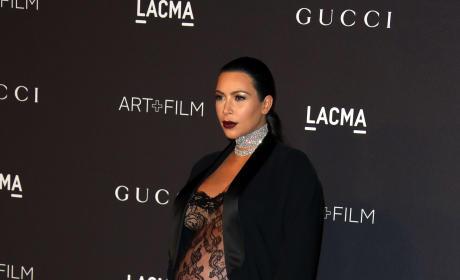 Kim Kardashian Baby Bump Profile