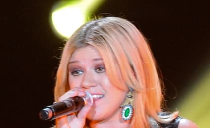 Kelly Clarkson: Engaged to Brandon Blackstock!