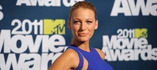 Blake Lively Nude Pic Scandal Provides Plenty of Material at MTV Movie Awards