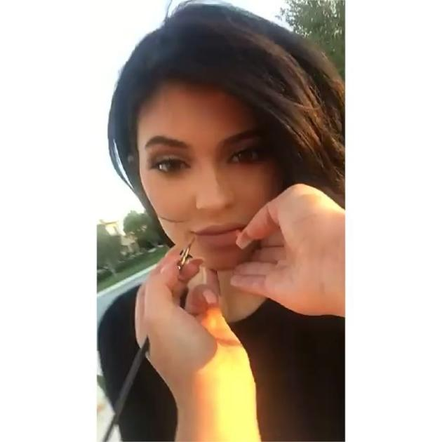 Bryson Tiller And Kylie: Kylie Jenner Addresses Tyga Breakup In Snapchat Video