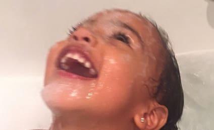 North West in the Bathtub: LOL So Hard!