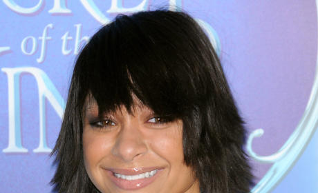 "Raven-Symone Comes Out Via Twitter: ""I Can Finally Get Married!"""