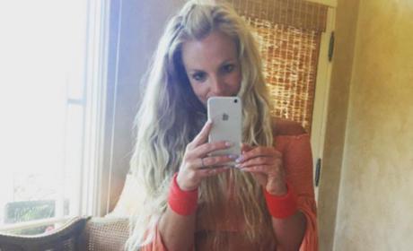 Britney Spears Flaunts FLAWLESS Abs on Instagram