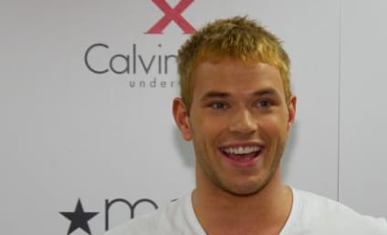 Kellan Lutz: Hot Underwear Model Alert!