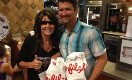 "Sarah Palin Dines at Chick-fil-A, Supports ""Great Business"""