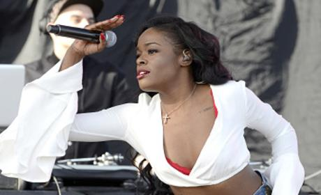 Azealia Banks SLAMS Kanye West, Kardashian Family on Twitter
