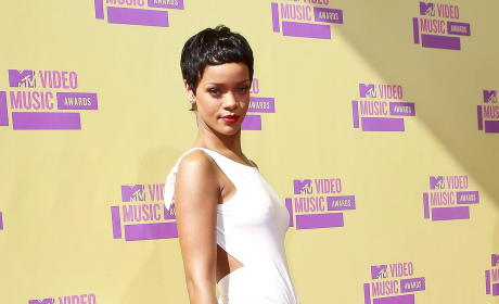 MTV Video Music Awards 2012: List of Winners!