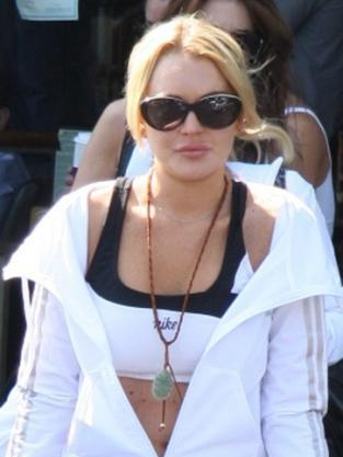 Lohan Gets Coffee