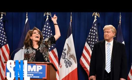 Tina Fey Recreates Sarah Palin's Endorsement of Donald Trump for President