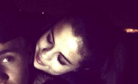 """Selena Gomez Has """"Perfect"""" Response to Justin Bieber Throwback Photo"""