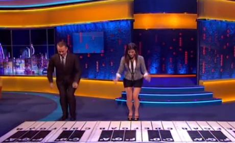 Tom Hanks and Sandra Bullock Play Piano