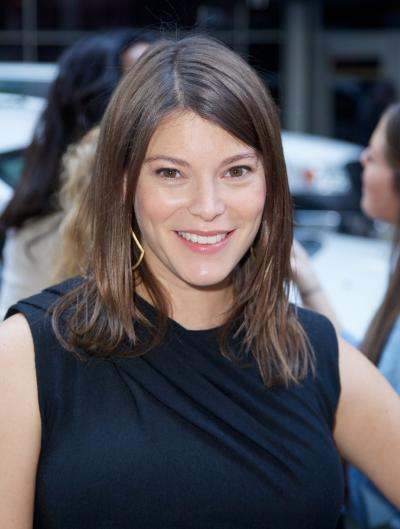 Gail Simmons Close Up