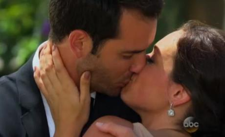 Chris Siegfried and Desiree Hartsock Kiss