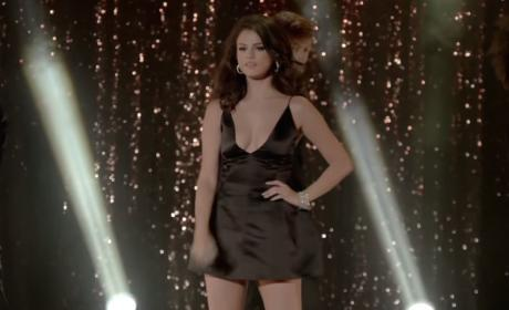 "Selena Gomez - ""Same Old Love"" (Music Video)"
