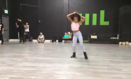 12-Year Old Girl Dances to Beyonce, Totally Crushes It