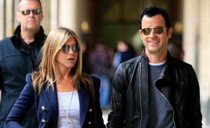 Jennifer Aniston and Justin Theroux: Pushing Back Wedding Due to Brangelina?