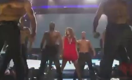 "Jennifer Lopez Live: Singer Performs ""Papi"" at iHeartRadio Music Festival"