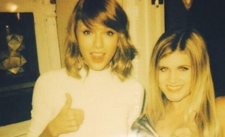 Taylor Swift Parties With a Fan!