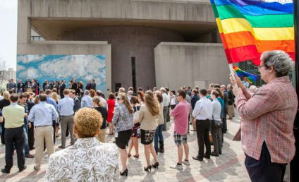 Delaware Gay Marriage Bill Passes; 11th State to Legalize Same-Sex Unions
