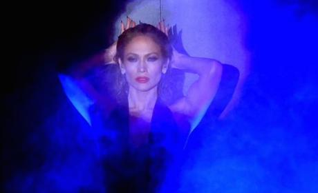 Jennifer Lopez to Host 2015 American Music Awards