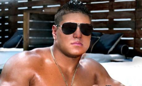 "Will ""One Shot"" Case Keep Ronnie Magro From Filming Jersey Shore in Italy?"
