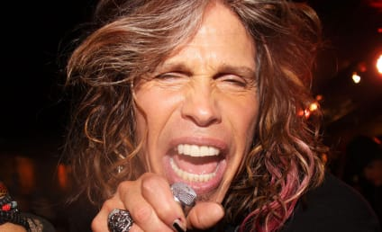 Ouch! Steven Tyler Loses Teeth in Shower Fall