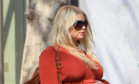 Jessica Simpson: Ready to Pop!