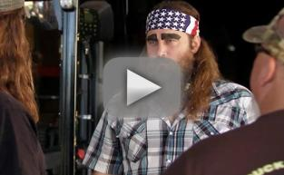 Duck Dynasty Clip - Asleep on the Job