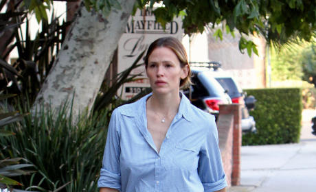 Jennifer Garner: NOT Pregnant With Fourth Child