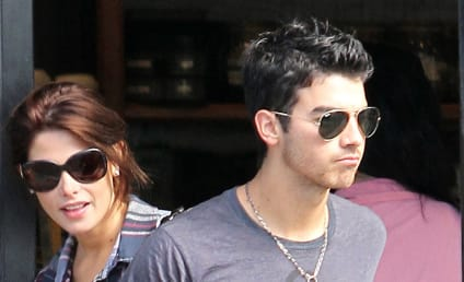 Joe Jonas and Ashley Greene: Happy as Ever!