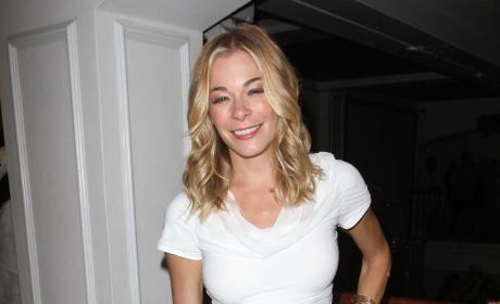 LeAnn Rimes Gets Tattoo of Eddie Cibrian Wedding Vows on Ribs