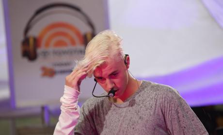 Justin Bieber Blonde Hair Photo