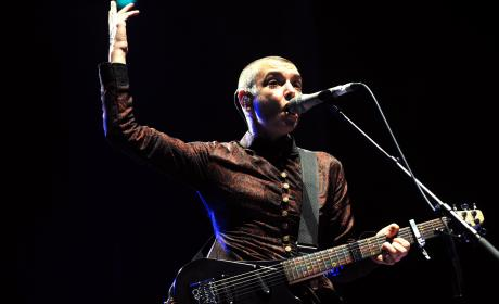 "Sinead O'Connor Blames Family for ""Total Psychological and Emotional Destruction"""