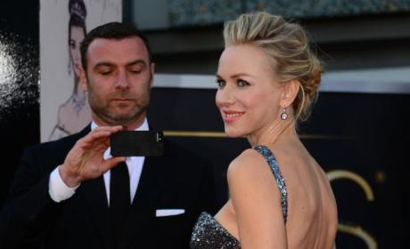 Naomi Watts Oscars Dress: Stunning, Even For Liev Schreiber