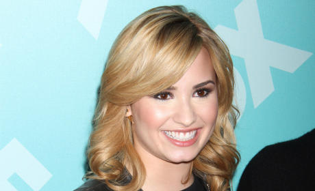 Demi Lovato to Play a Lesbian on Glee