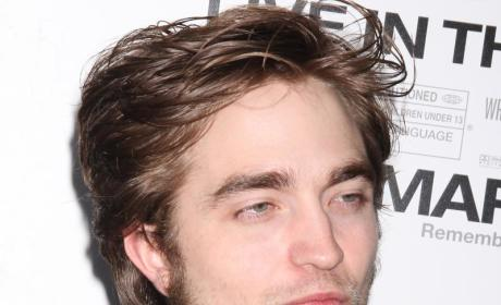 Witness Confirms Possible Robsten Neck Nuzzling at Remember Me Premiere