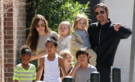 Spotted: Brangelina and All Six Kids!