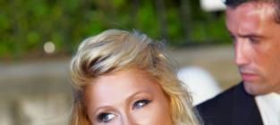 Josh Henderson Eats Out (With) Paris Hilton