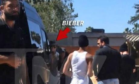 Justin Bieber Disses Picture-Taking Fan: Watch Now!
